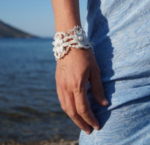 Handmade crafts knitted bracelet