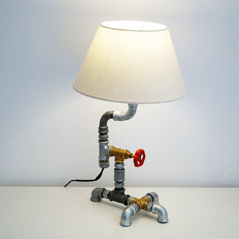 Φωτιστικό industrial από υδραυλικά εξαρτήματα