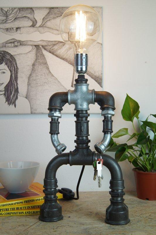 Amazing pipe desk lamp