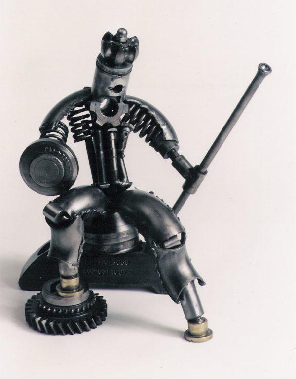 Metal sculpture king