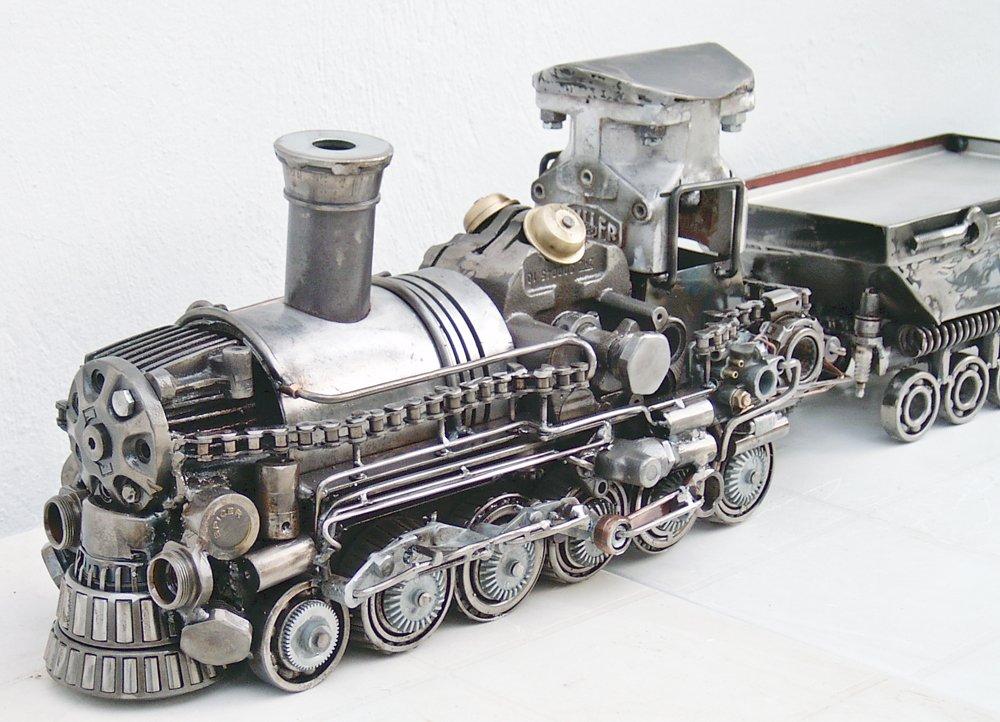 metal sculpture art for sale - train metal art sculpture